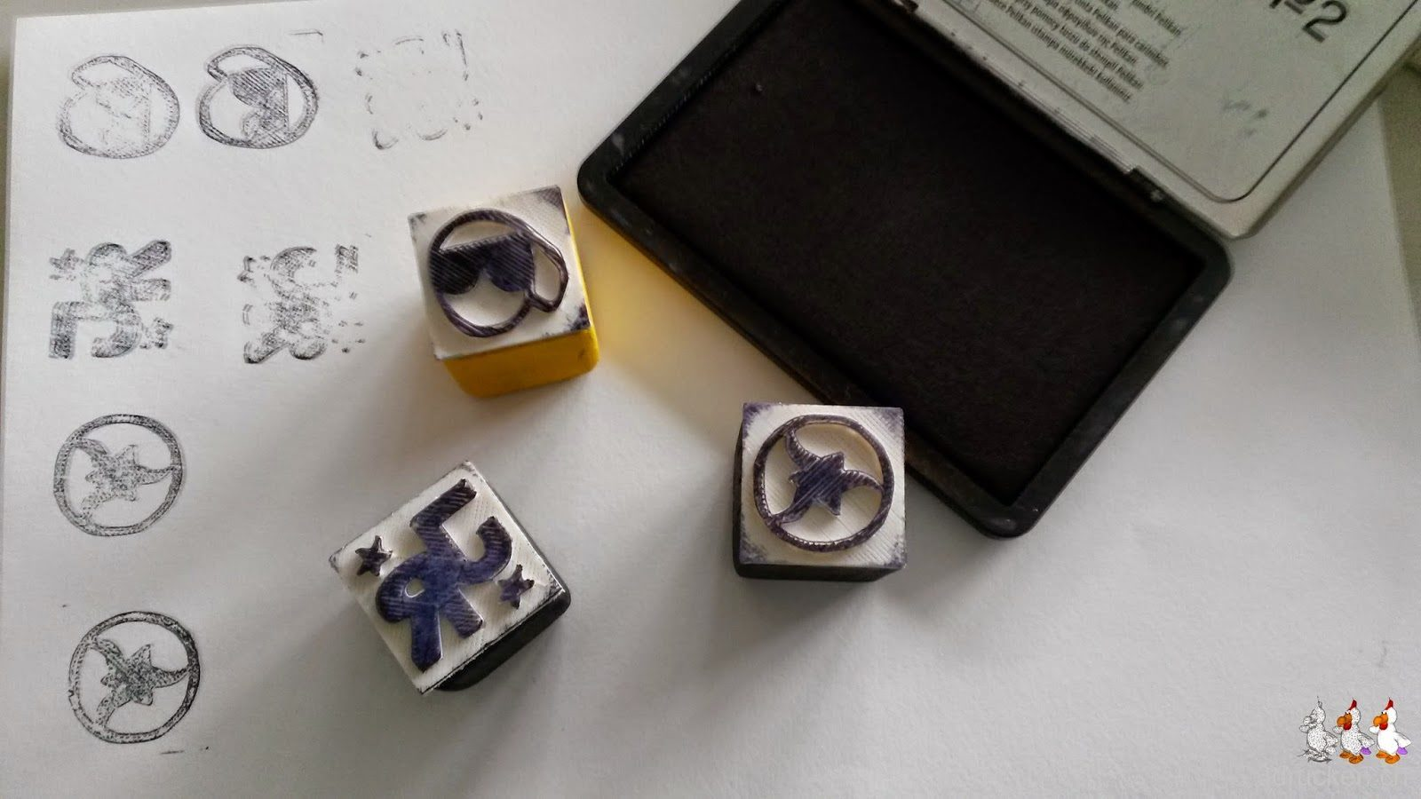 Selbst hergestellte Stempel mit Stempelkissen
