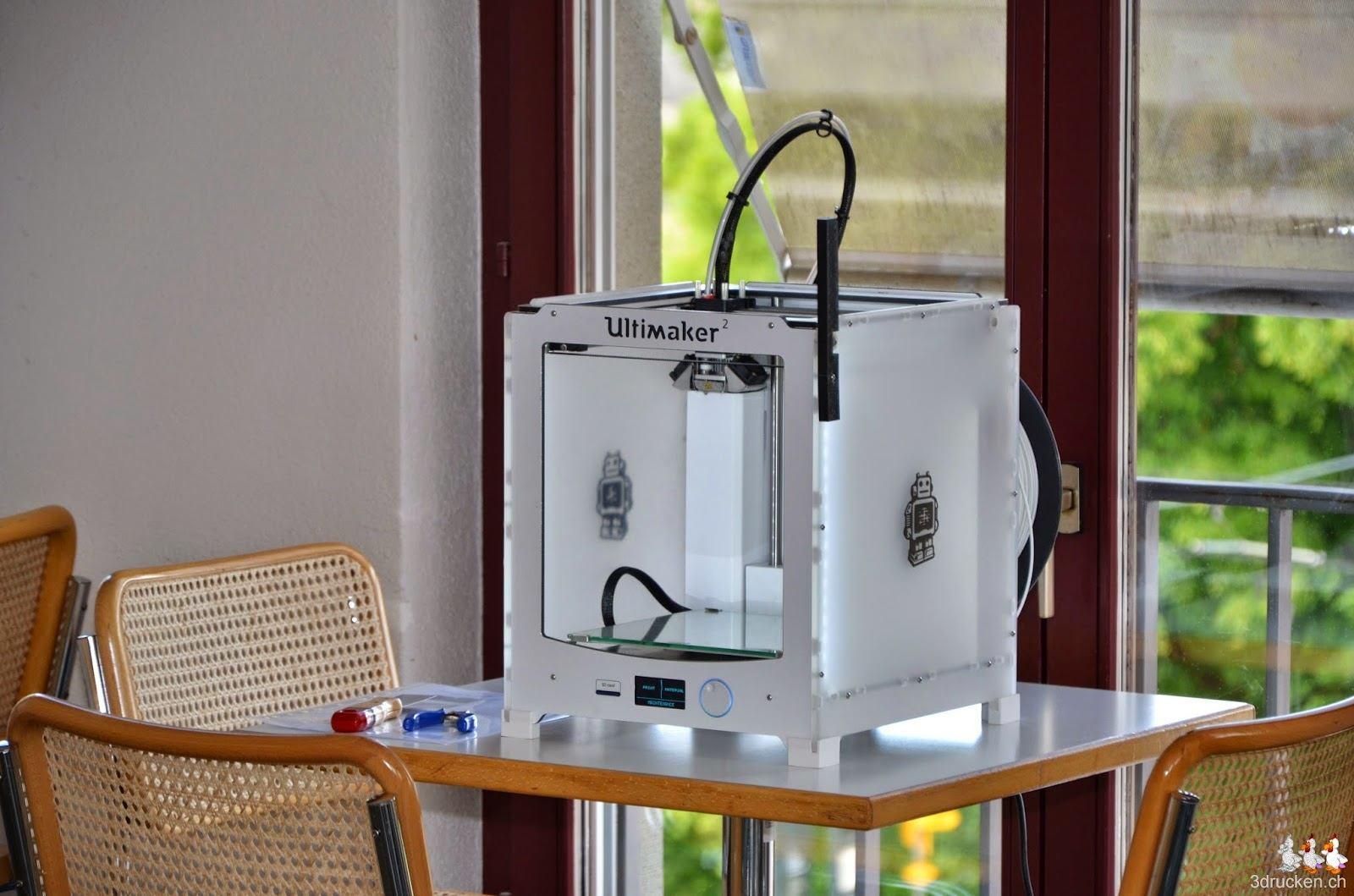 Foto des Ultimaker 2 3D-Druckers, den wir auch zur Verfügung gestellt haben