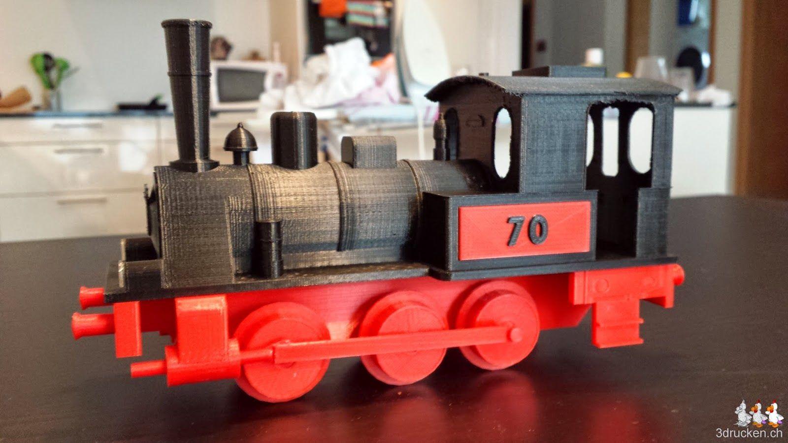 Foto der fertigen Lokomotive von der linken Seite aufgenommen
