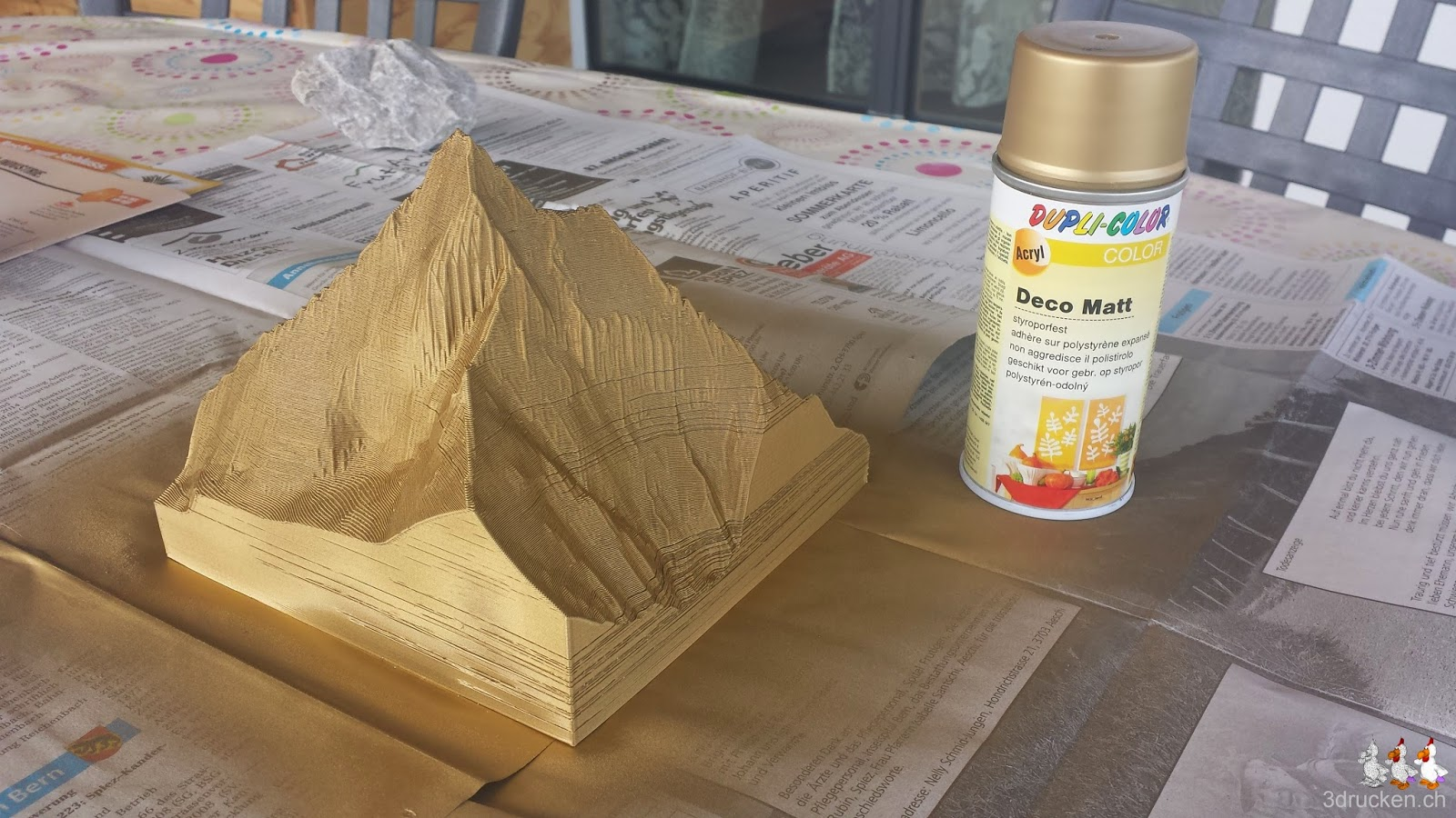 Foto des neu mit Gold besprayten Matterhorns