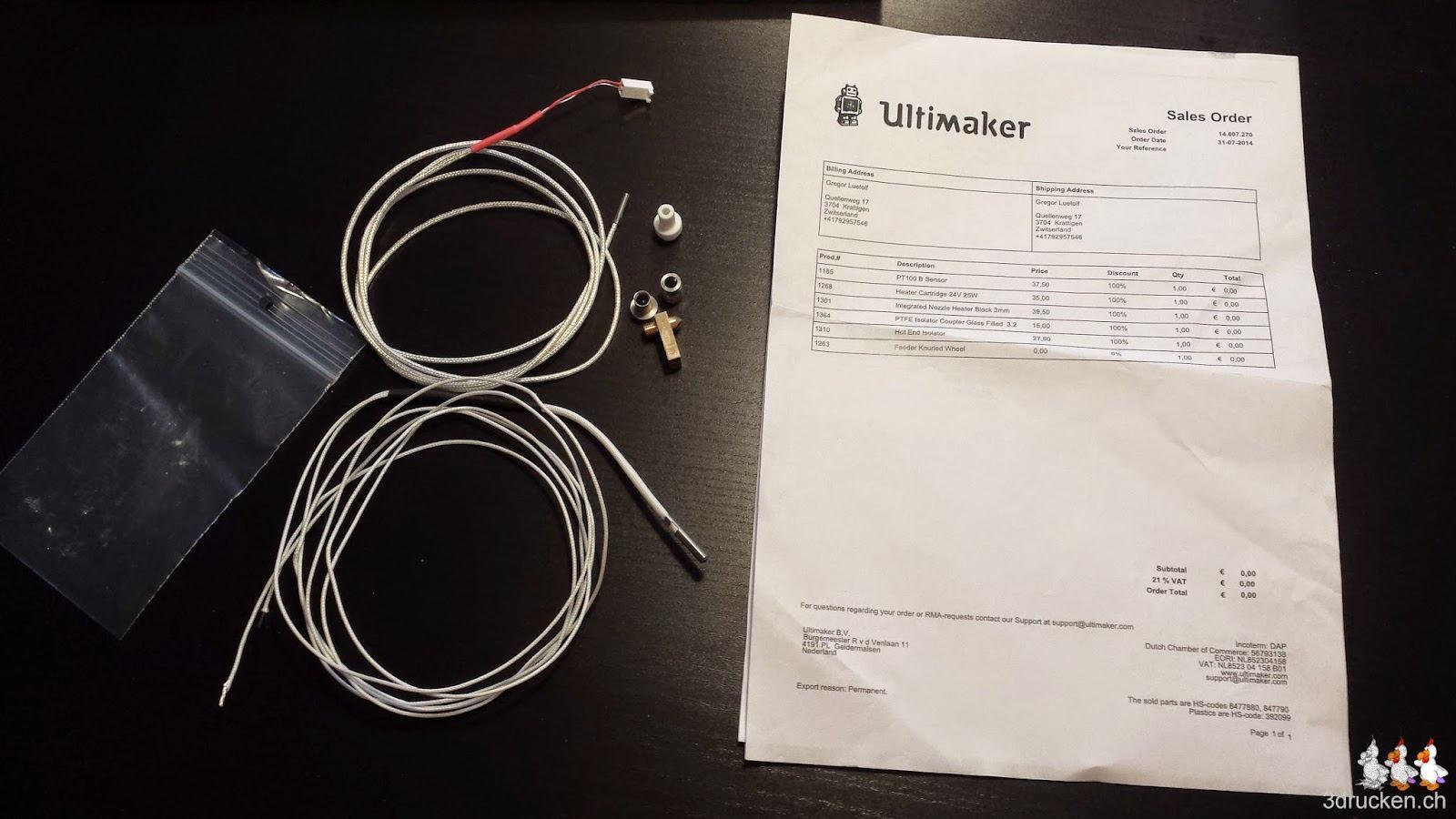 Foto der ausgepackten Ersatzteile für den Ultimaker 2 mit Frachtbrief