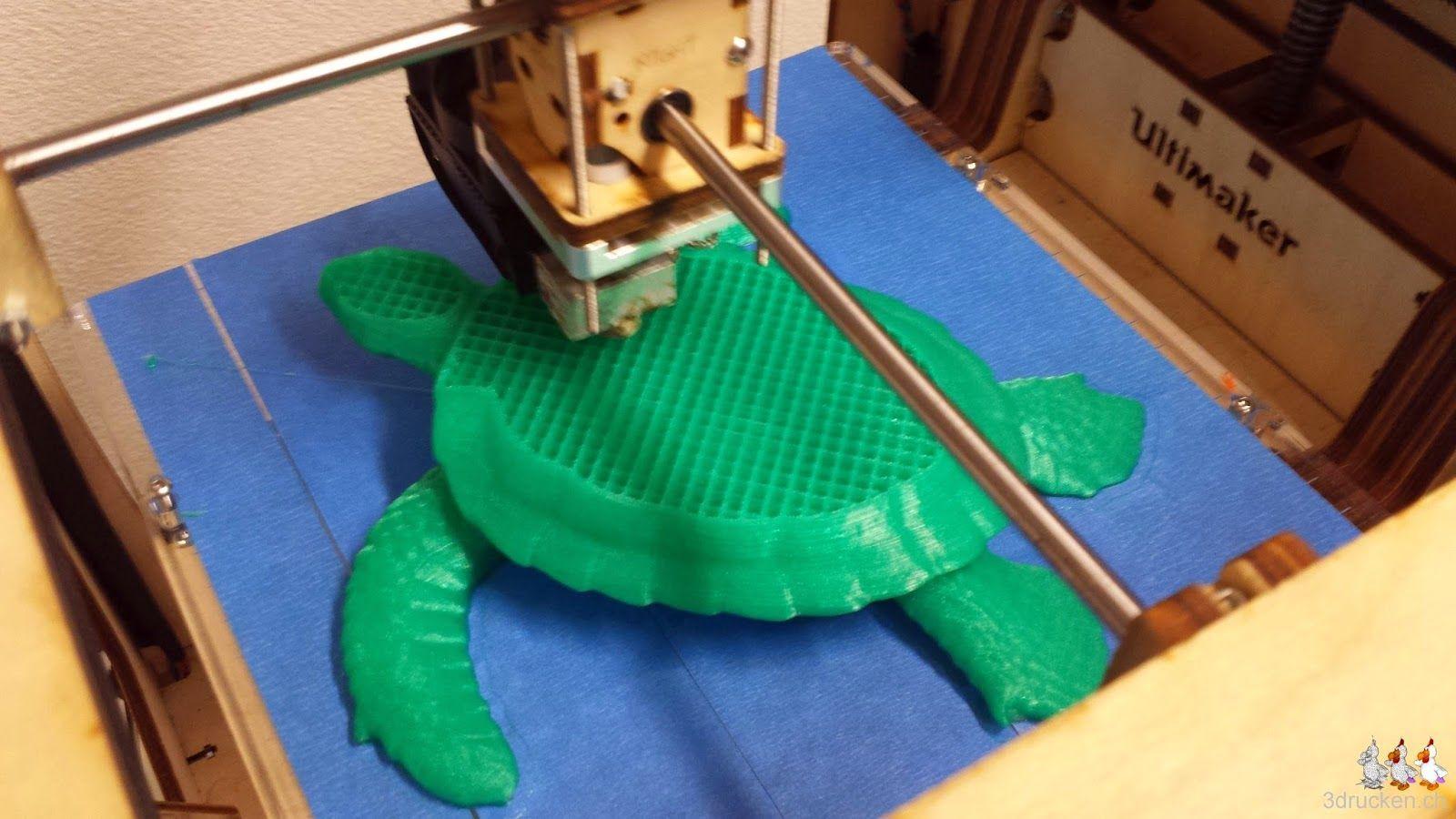 Foto vom weit fortgeschrittenen Druck der Schildkröte auf dem Ultimaker Original