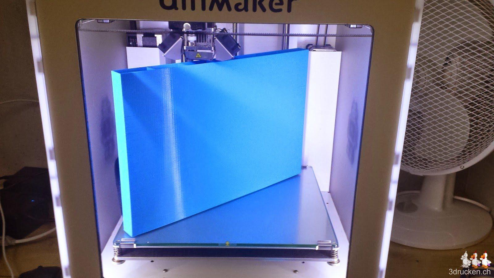 Foto des maximalen Quaders mit 20 mm Dicke während des Drucks im Ultimaker 2