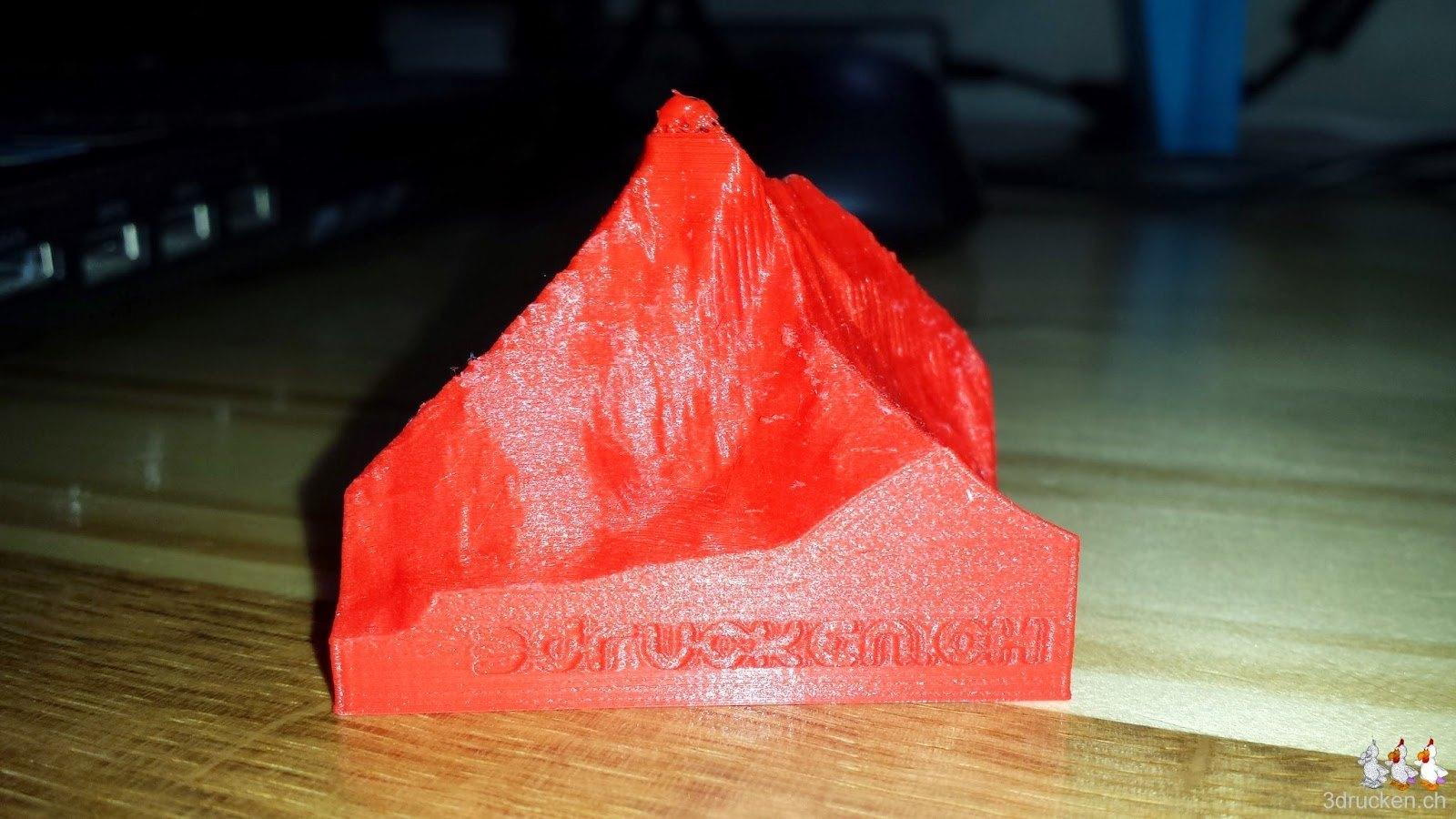 Foto einer Variante des gedruckten Giveaways Matterhorn mit kaum lesbarem Schriftzug auf der Seite