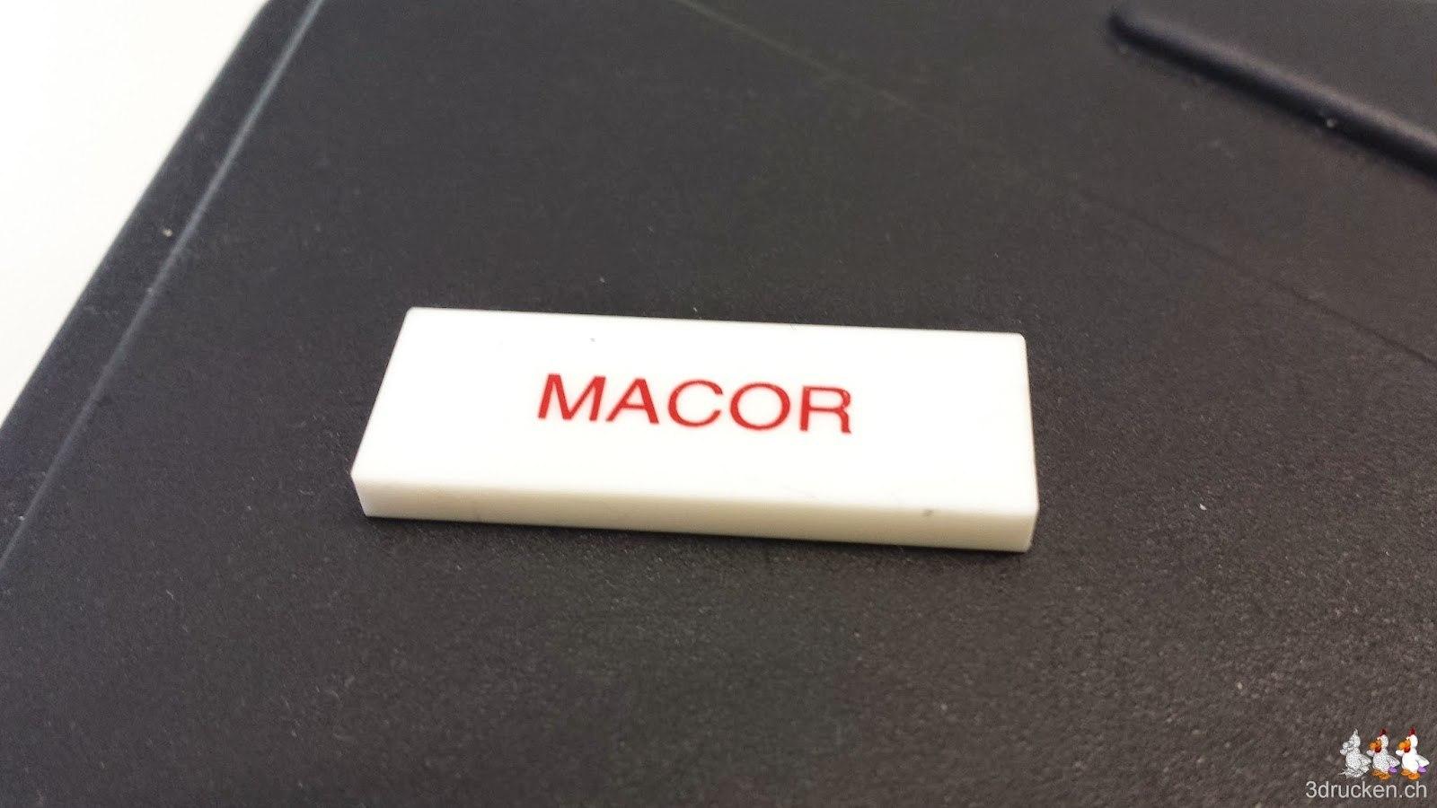 Foto eines Materialmusters aus Macor von der Firma FiberOptic