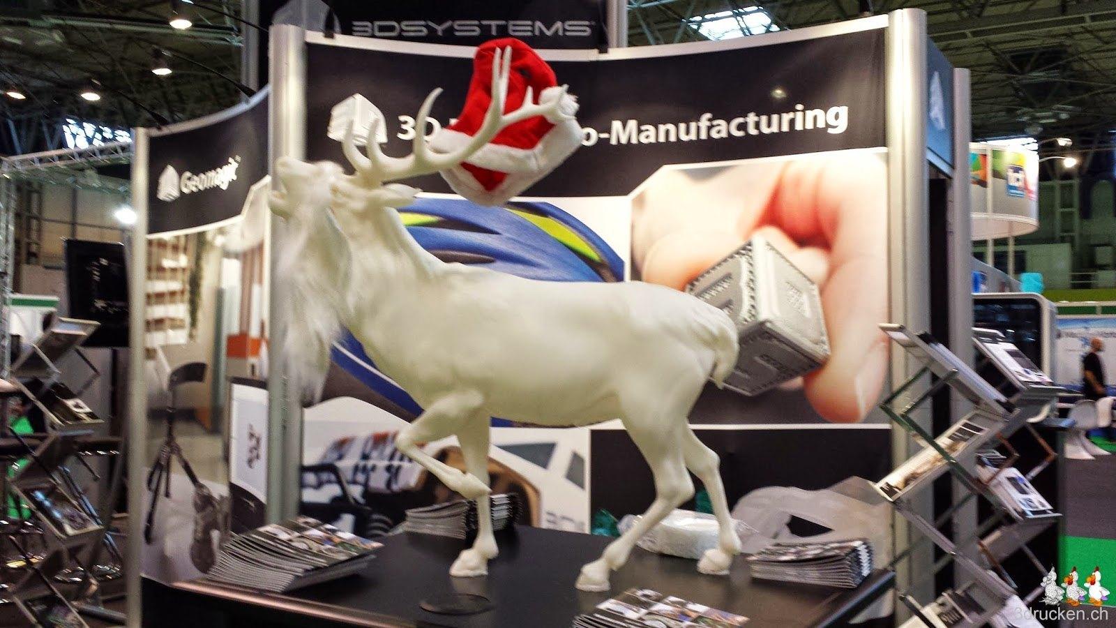 Foto des grossen Hirschs am Stand von 3D Systems
