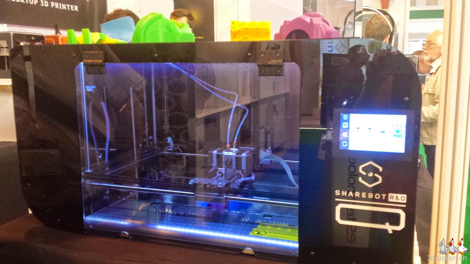 Foto eines neuen Sharebot 3D-Druckers am Stand von Sharebot