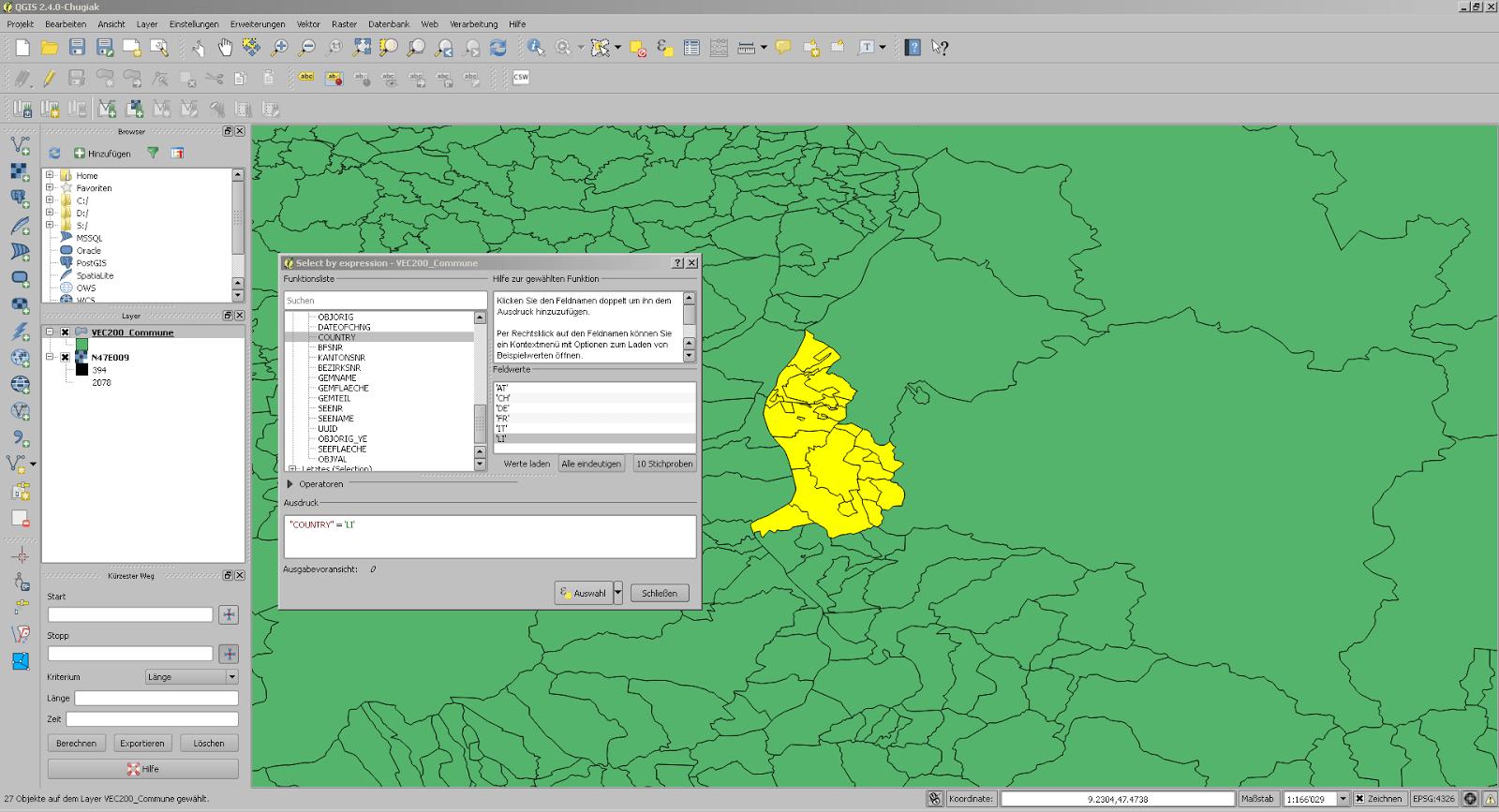 Screenshot aus QGIS mit den Gemeinden Liechtensteins ausgewählt im Vector200 von Swisstopo