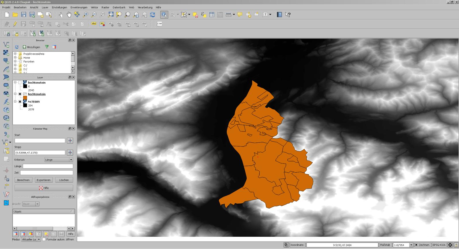 Screenshot aus QGIS mit der Fläche Liechtensteins als Lochmaske
