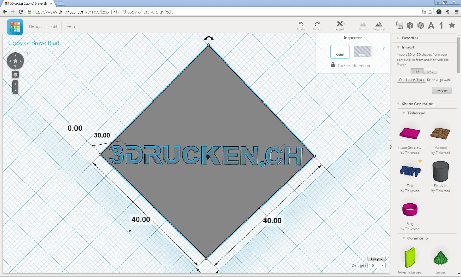 Screenshot aus Tinkercad mit ausgestanztem Schriftzug 3DRUCKEN.CH auf der Unterseite des Modells des Matterhorns