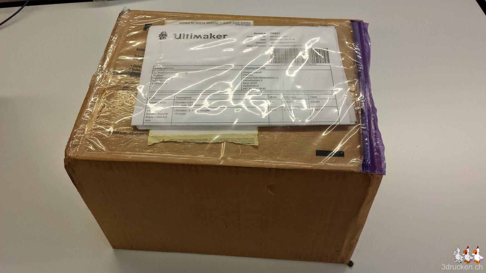 Foto des Pakets mit Frachtbrief von Ultimaker
