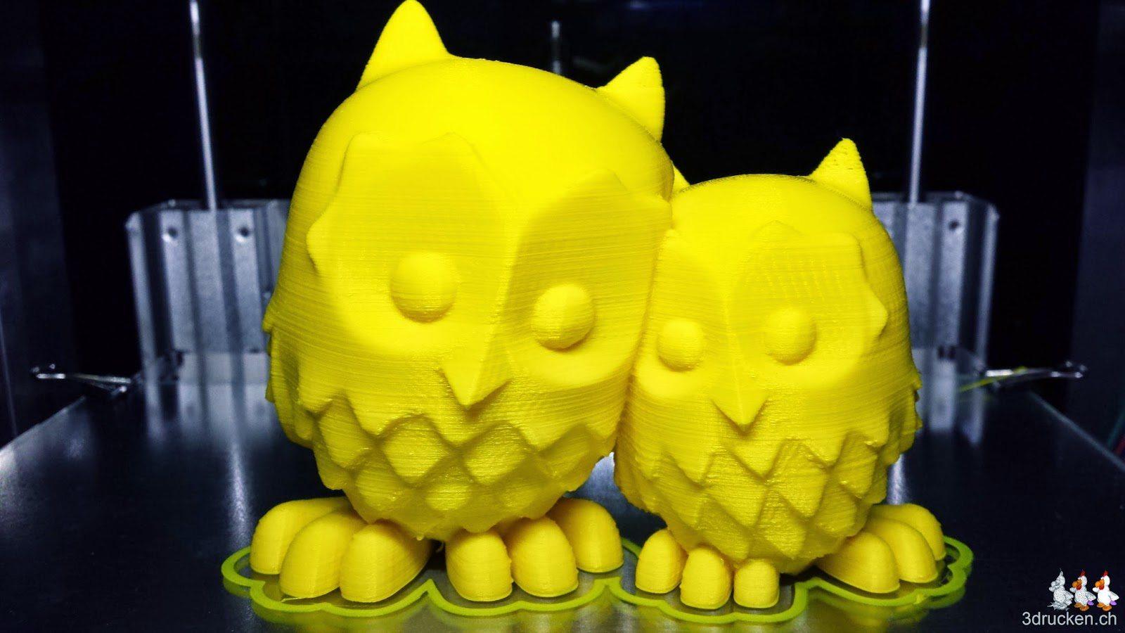 Foto der beiden kuschelnden Eulen aus gelbem PLA gedruckt auf dem Sharebot Next Generation