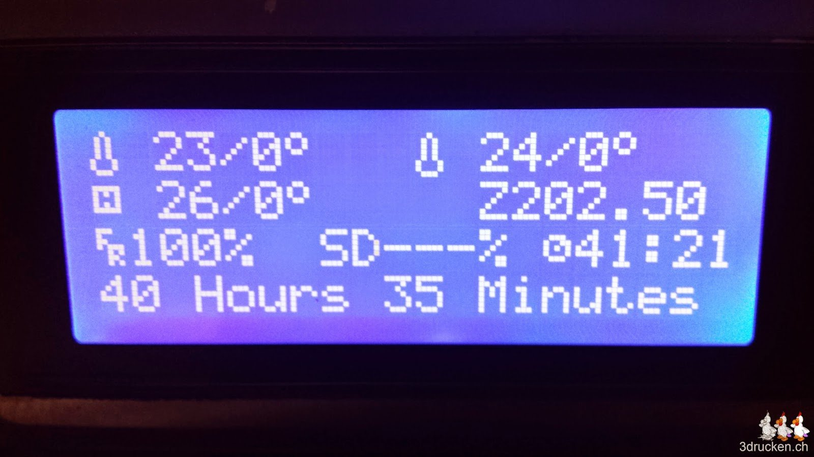 Foto von der Anzeige der totalen Druckzeit 40h 35min des Eiffelturms auf dem Sharebot Next Generation