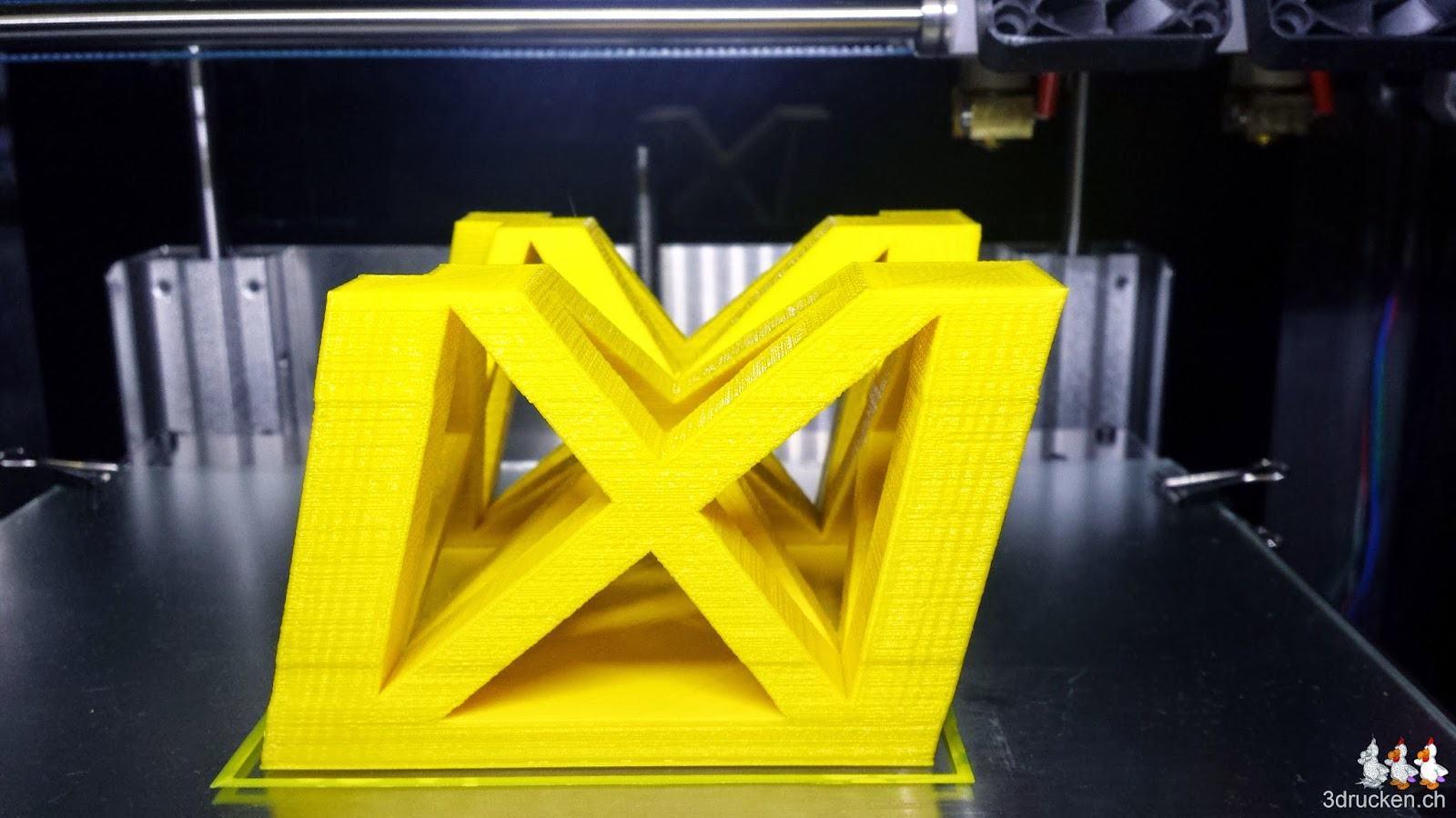 Weiterer Probedruck eines Eiffelturm-Teils in Gelb auf dem Sharebot Next Generation