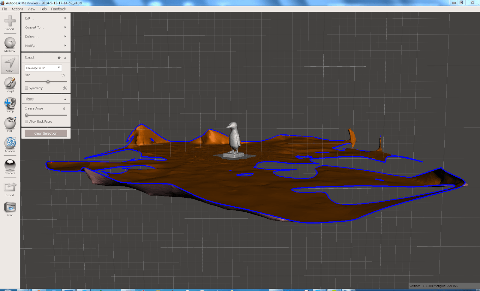Screenshot aus Meshmixer beim Entfernen des Fussbodens aus dem Pinguinmodell