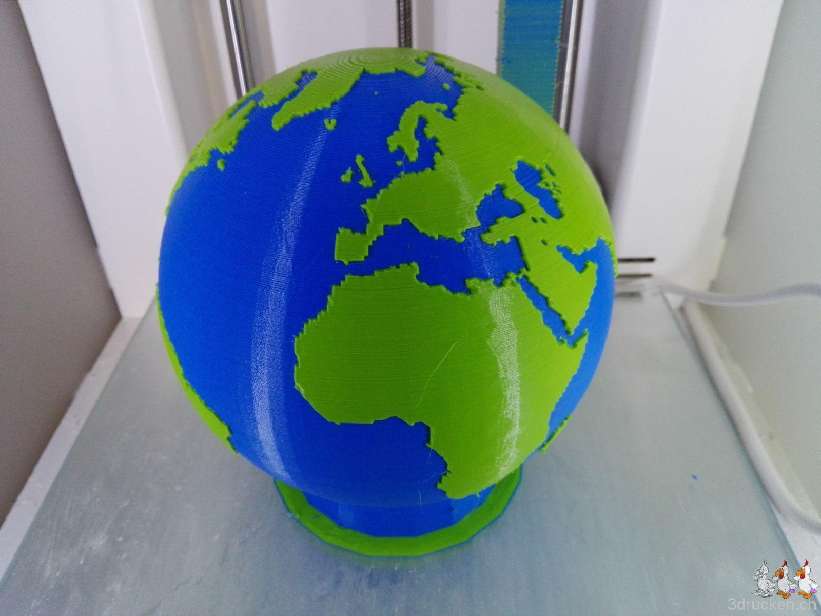 Zweifarbig gedruckte Weltkugel